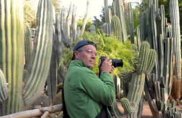 Paolo Marabini, giornalista appassionato fotografo, amante delle piante grasse, è in viaggio in Marocco, a Marrakech - Jardin Majorelle, con Emanuela Carla Marabini e Adventour.