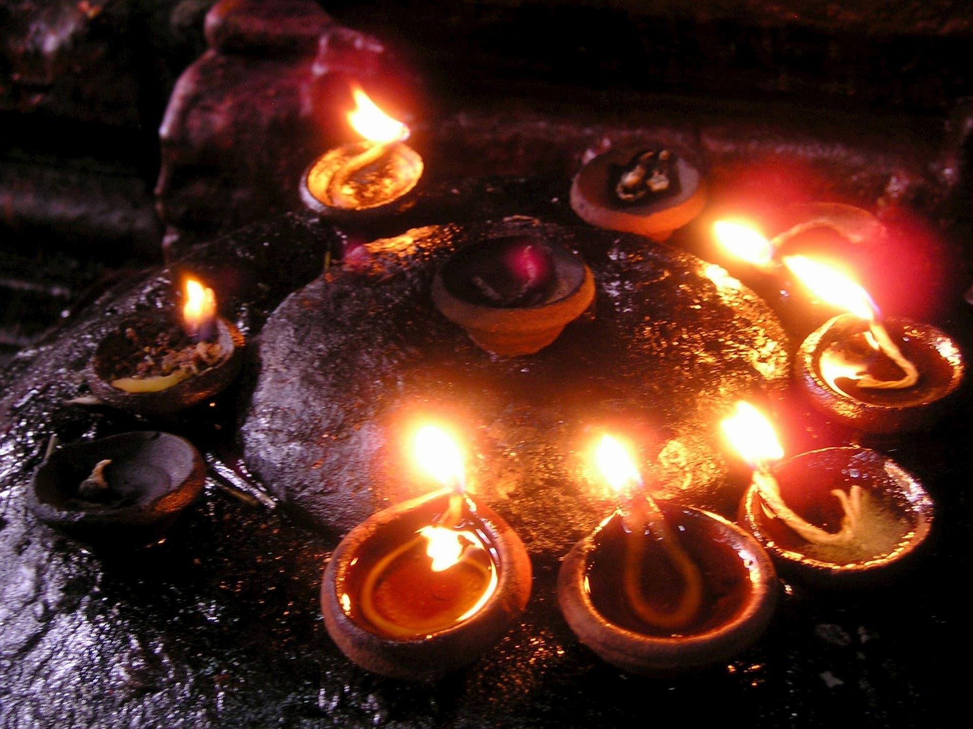 adventour - India - Gange prayer candles