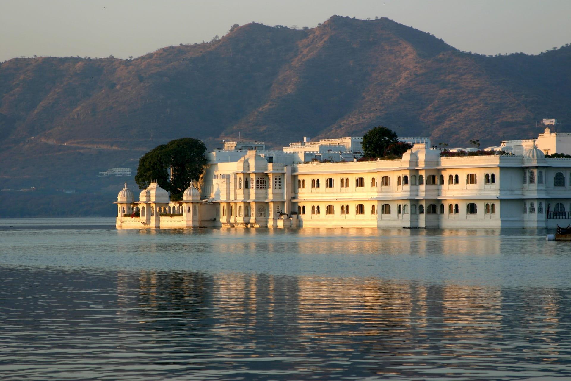adventour - India - rajasthan - udaipur lake palace