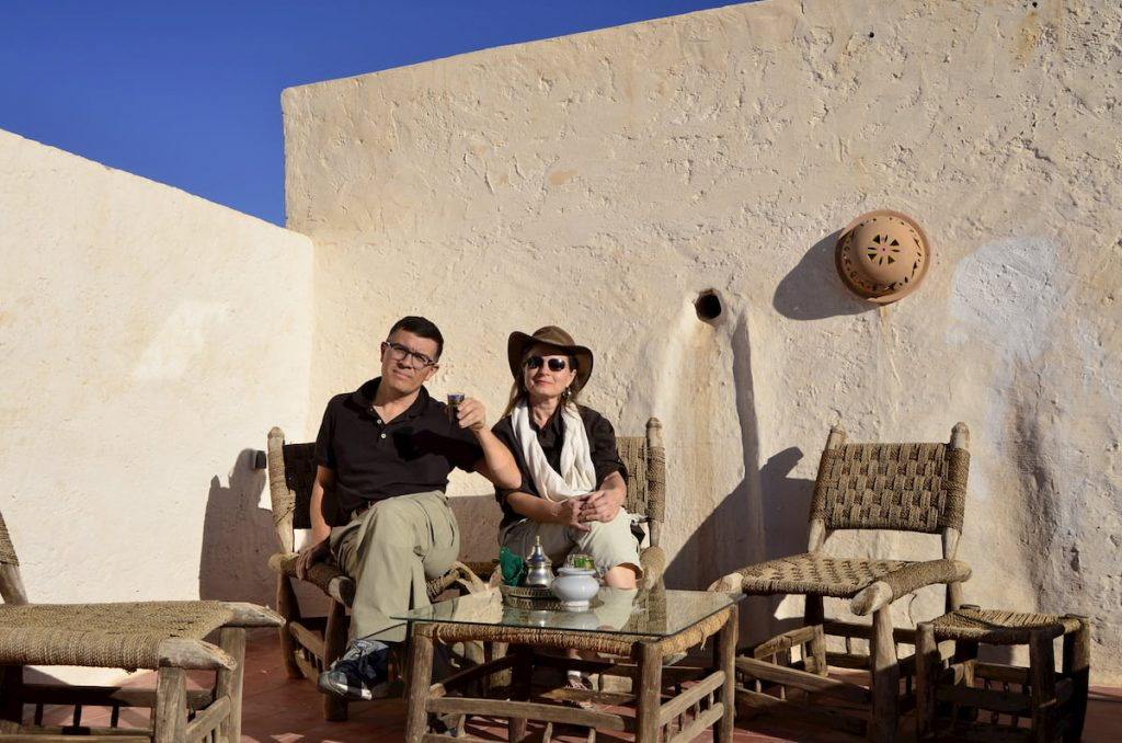 Emanuela e Paolo Marabini in Marocco. Adventour - Viaggi su misura verso Marocco, India, Sudafrica, Botswana, Costa Rica.