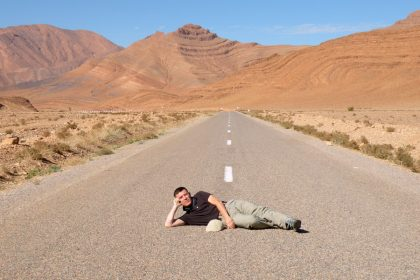 Paolo Marabini, giornalista appassionato fotografo, in viaggio in Marocco con Emanuela Carla Marabini e Adventour.