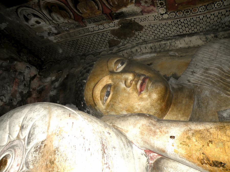 Adventour - Sri Lanka - Dambulla - Cave Temple
