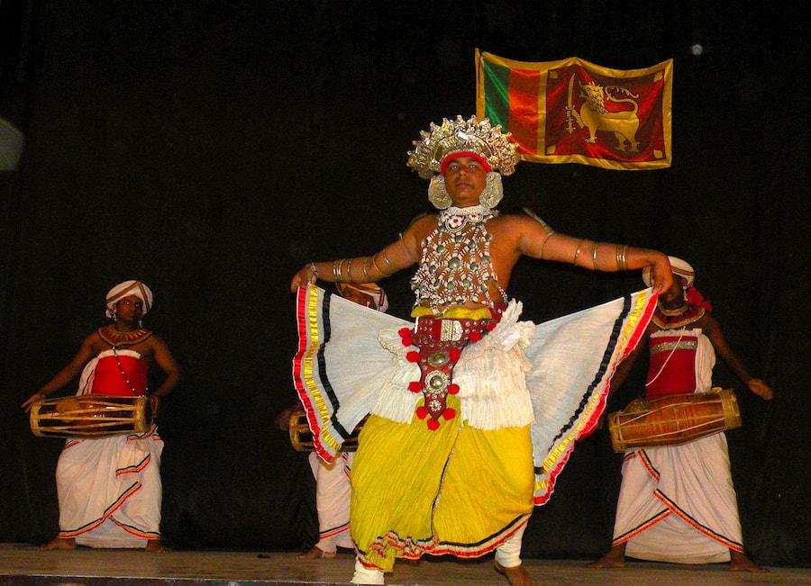 Adventour - Sri Lanka - Kandy - danze tradizionali