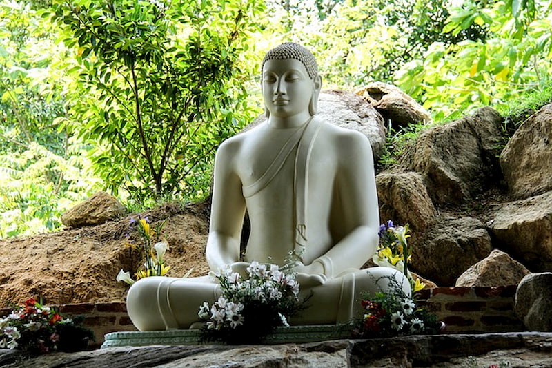 Adventour - Sri Lanka - Mahamevnawa Monastery - Matara