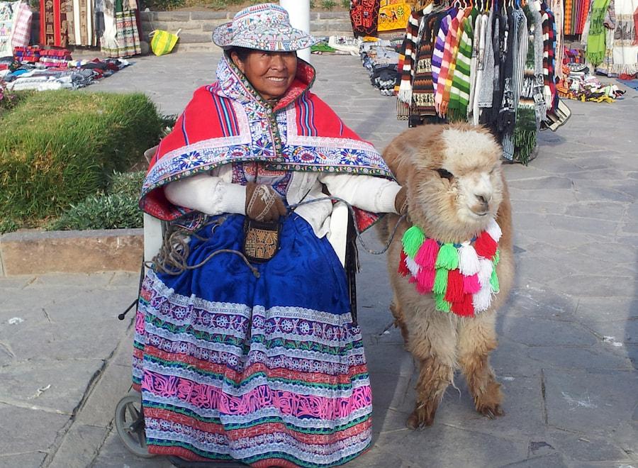 Adventour - Perù - mercato